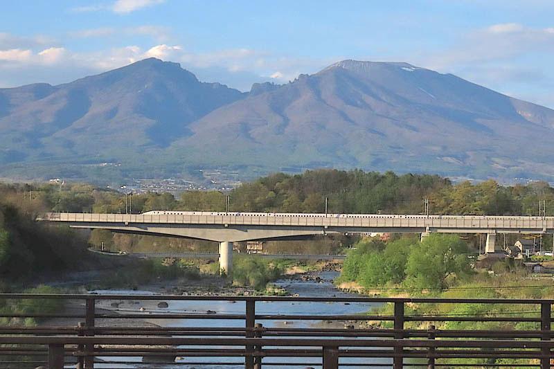 千曲川と浅間山: 信州・浅間山麓から